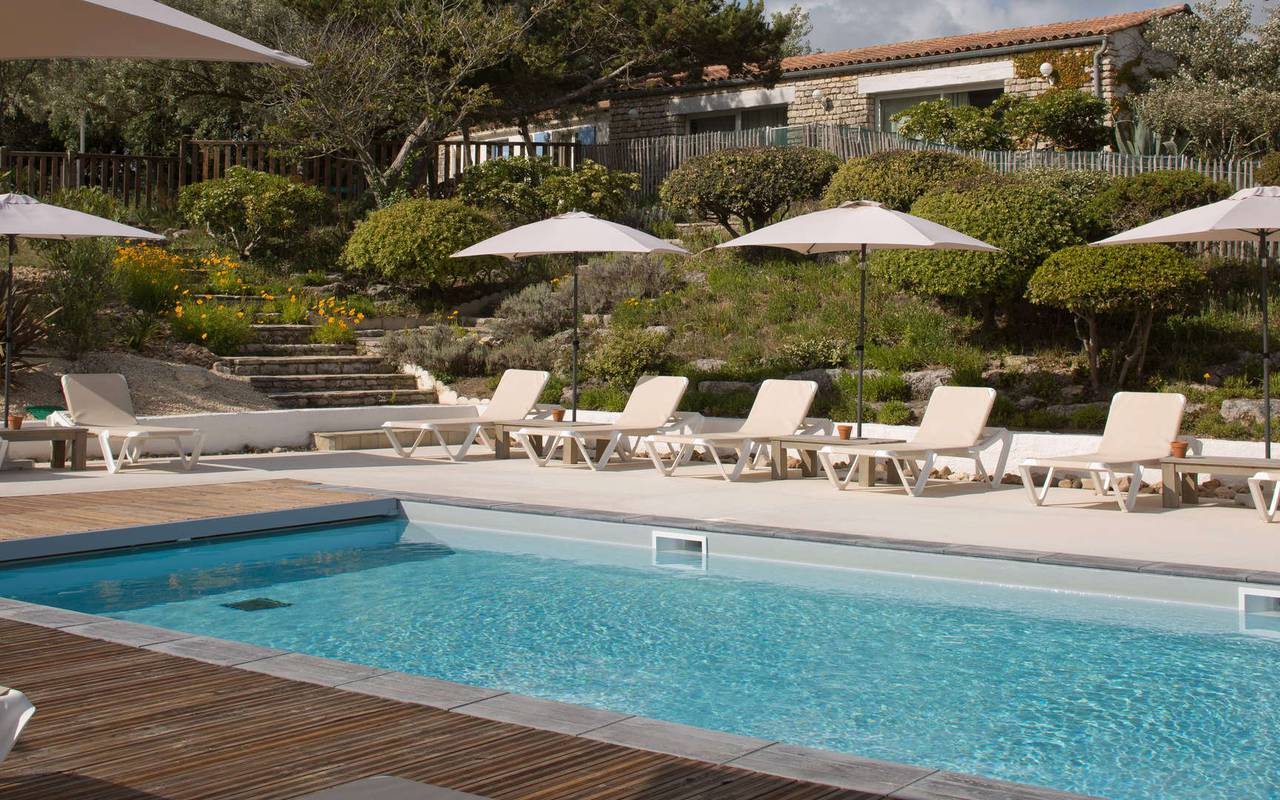 Heated swimming pool, hotel Ile d'Oléron, Ile de Lumière