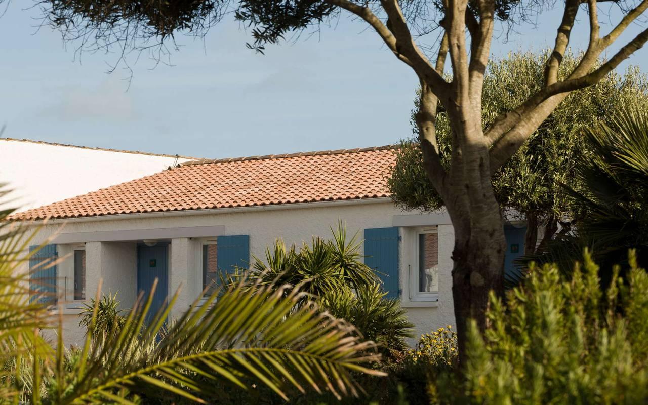 House with blue shutters, hotel Ile d'Oléron, Ile de Lumière