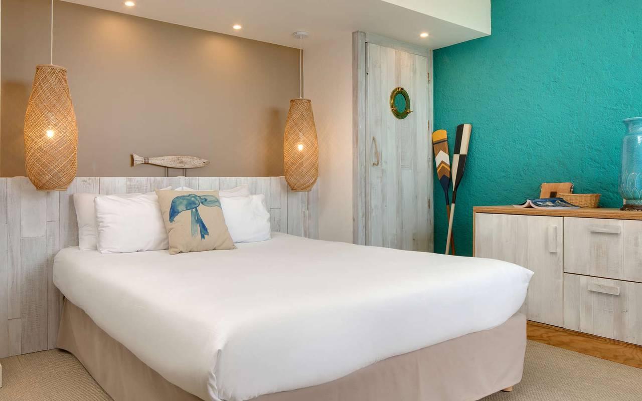 Bright room, hotel La Cotinière, Ile de Lumière