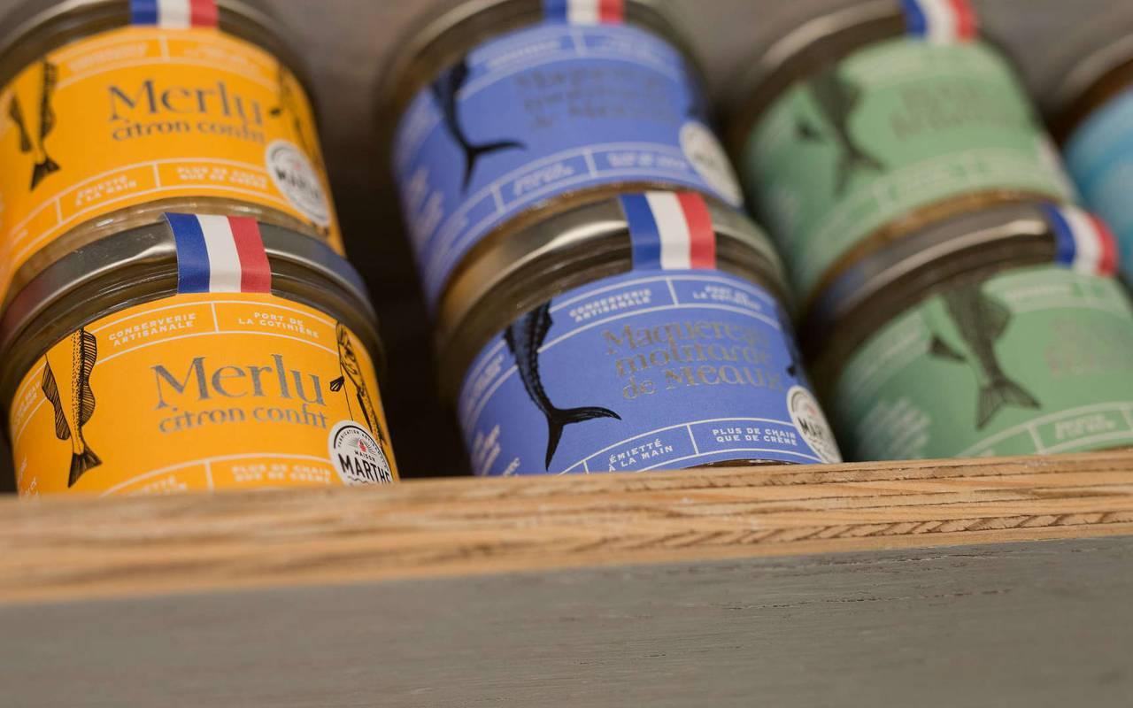 Small jars, boutique hotel Ile d'Oléron, Ile de Lumière