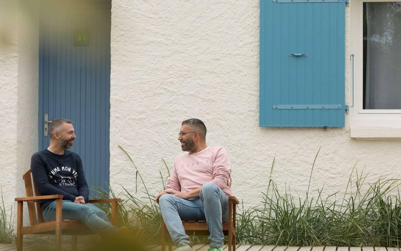 Men on deckchairs, boutique hotel Ile d'Oléron, Ile de Lumière