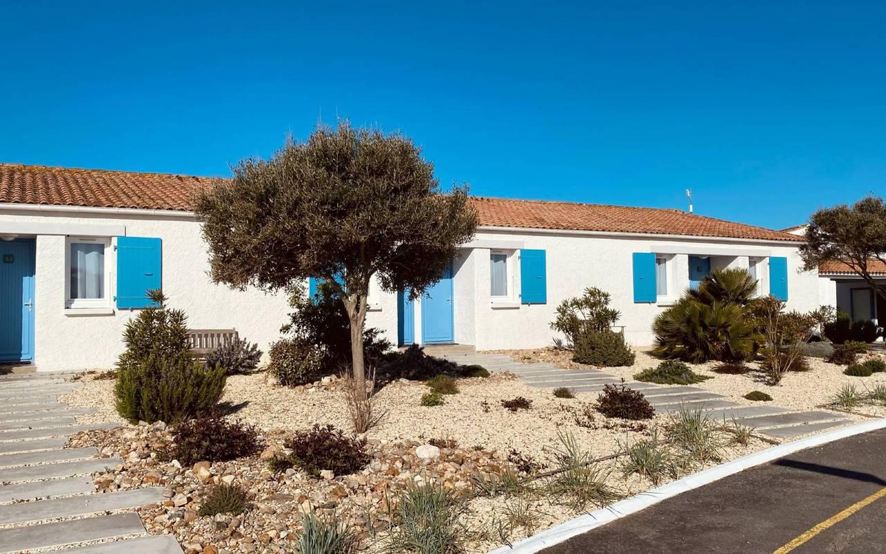 Houses with blue shutters, hotel Ile d'Oléron, Ile de Lumière