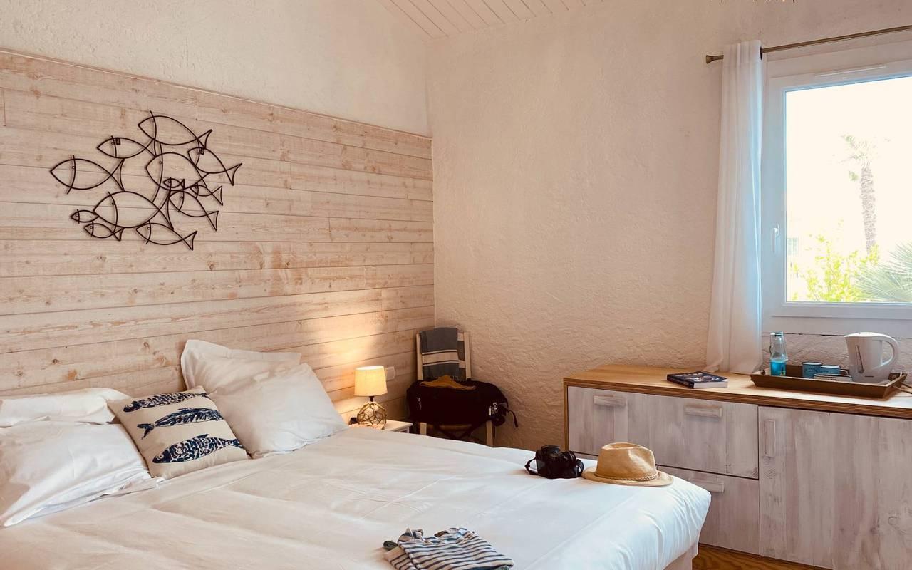 Luminous room, hotel La Cotinière, Ile de Lumière