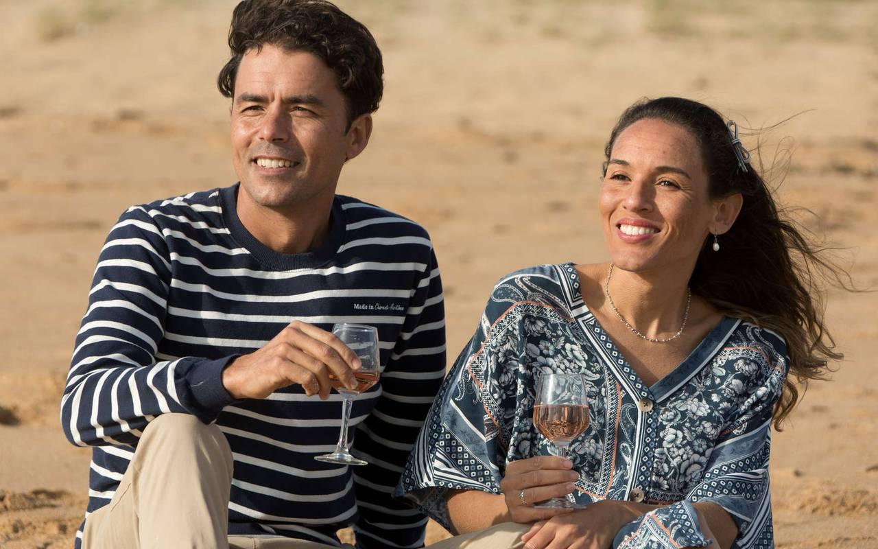 Couple drinking a glass of wine, boutique hotel Ile d'Oléron, Ile de Lumière
