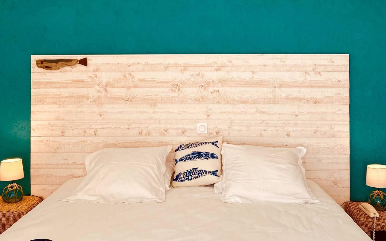 Bed, hotel La Cotinière, Ile de Lumière