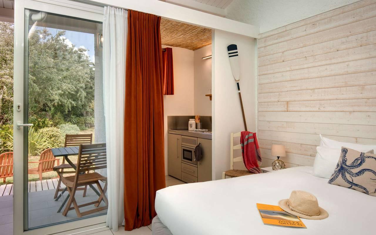 Chambre avec véranda, hôtel Oléron, Ile de Lumière