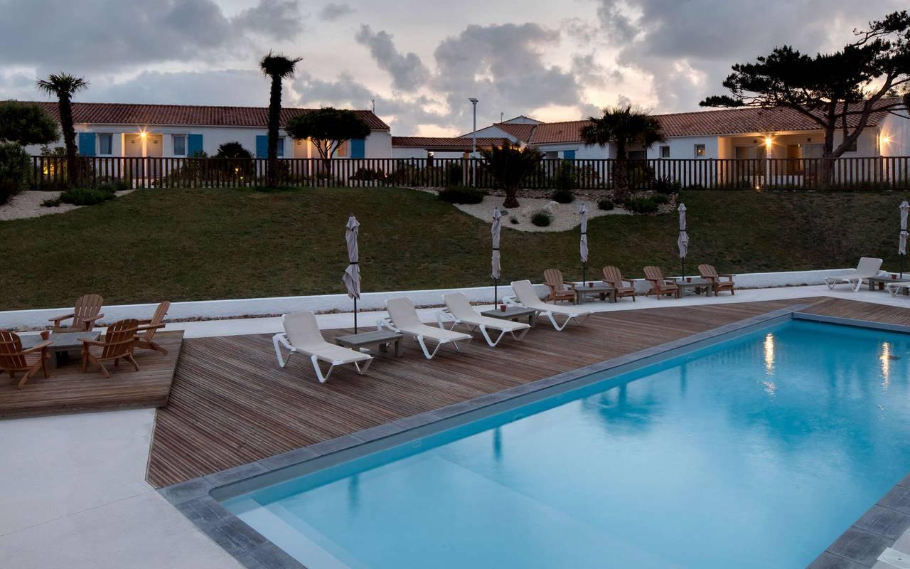 La piscine de nuit, hôtel Ile d'Oléron, Ile de Lumière
