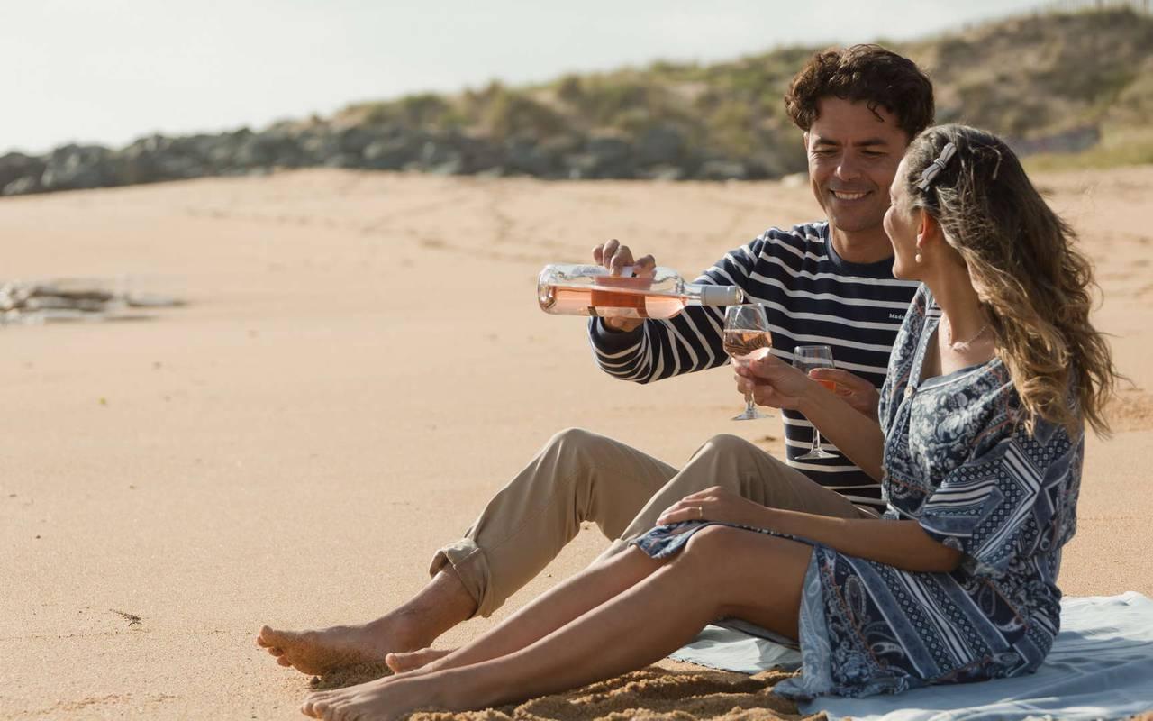 Couple sur la plage, séjour Ile d'Oléron, Ile de Lumière