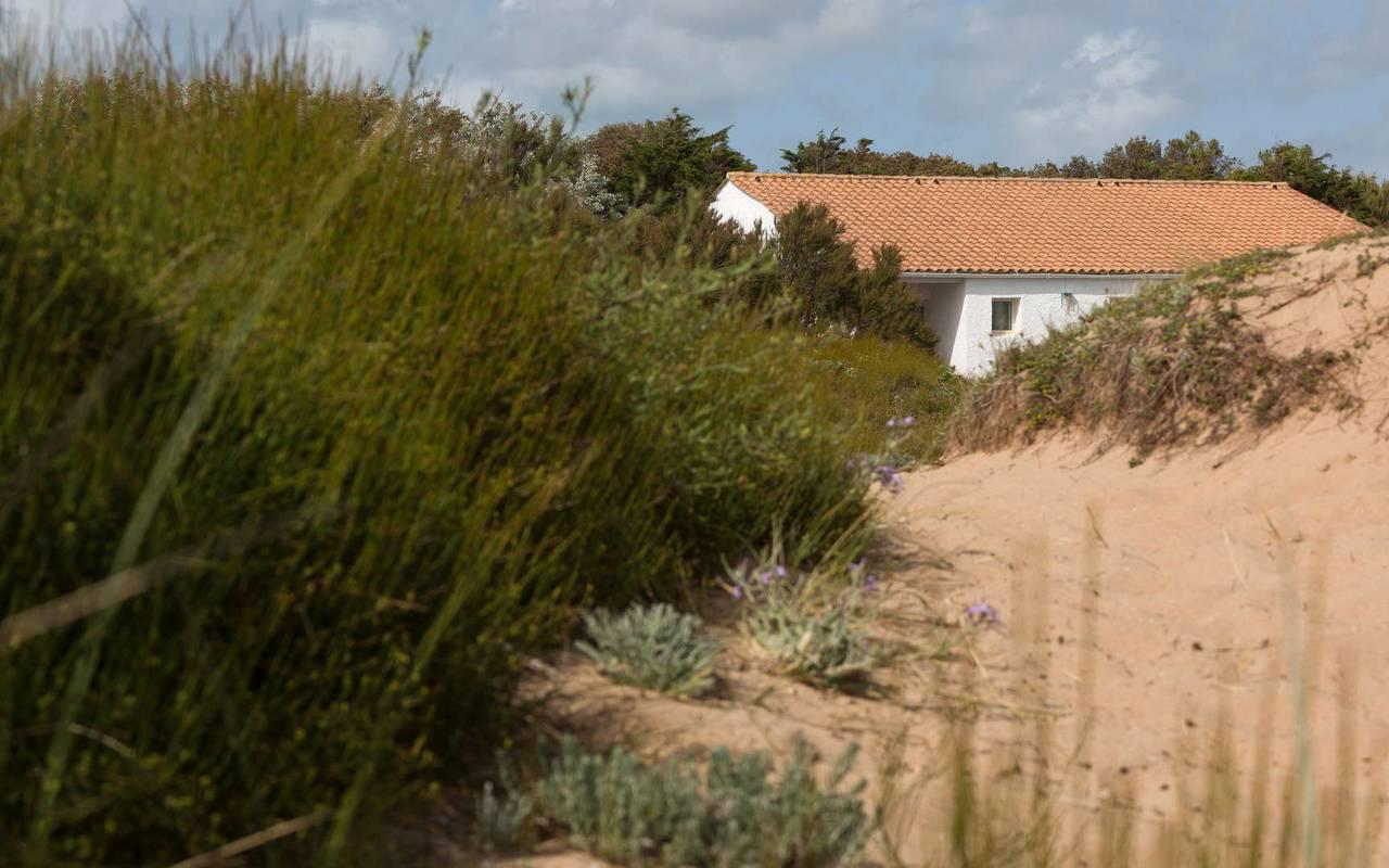 Maison derrière le sable, hôtel Ile d'Oléron, Ile de Lumière