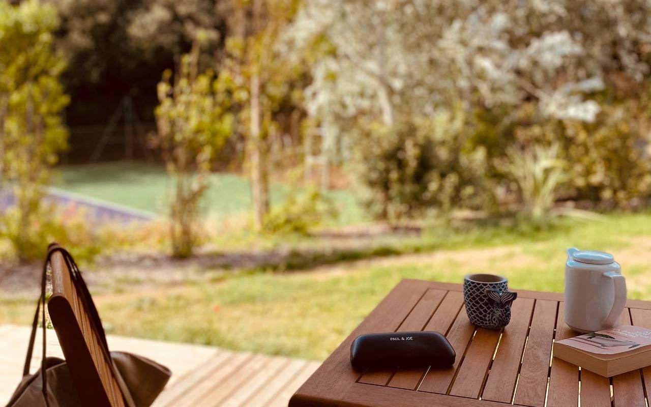 Terrasse en bois, hôtel Oléron, Ile de Lumière
