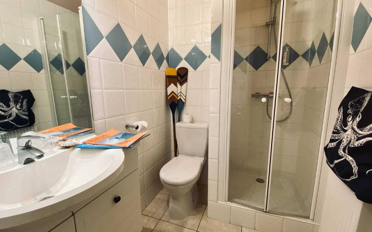 Salle de bain, hôtel Oléron, Ile de Lumière